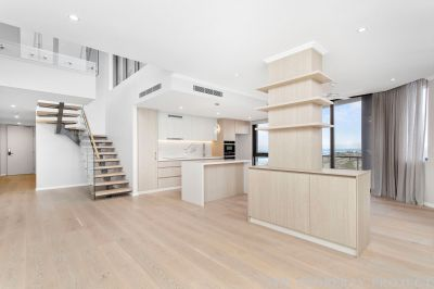 Luxury Double Level Penthouse - Stunning Coastal Vista Views to infinity - A must see experience