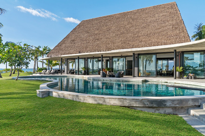 A Tropical Island Paradise In An Exclusive Peninsula Setting
