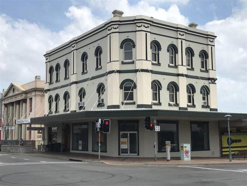 Main Street - Main Corner