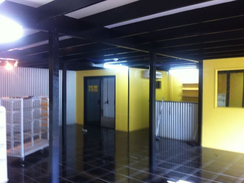 INDUSTRIAL WAREHOUSE - STREET FRONT SHOWROOM - ACCEPTING OFFERS