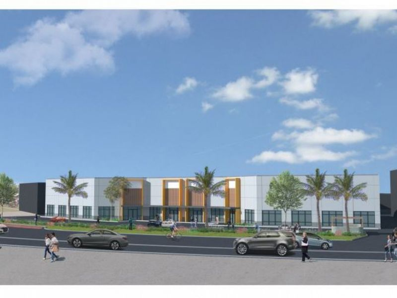 515m2 Brand New Showroom on Greenway Dr