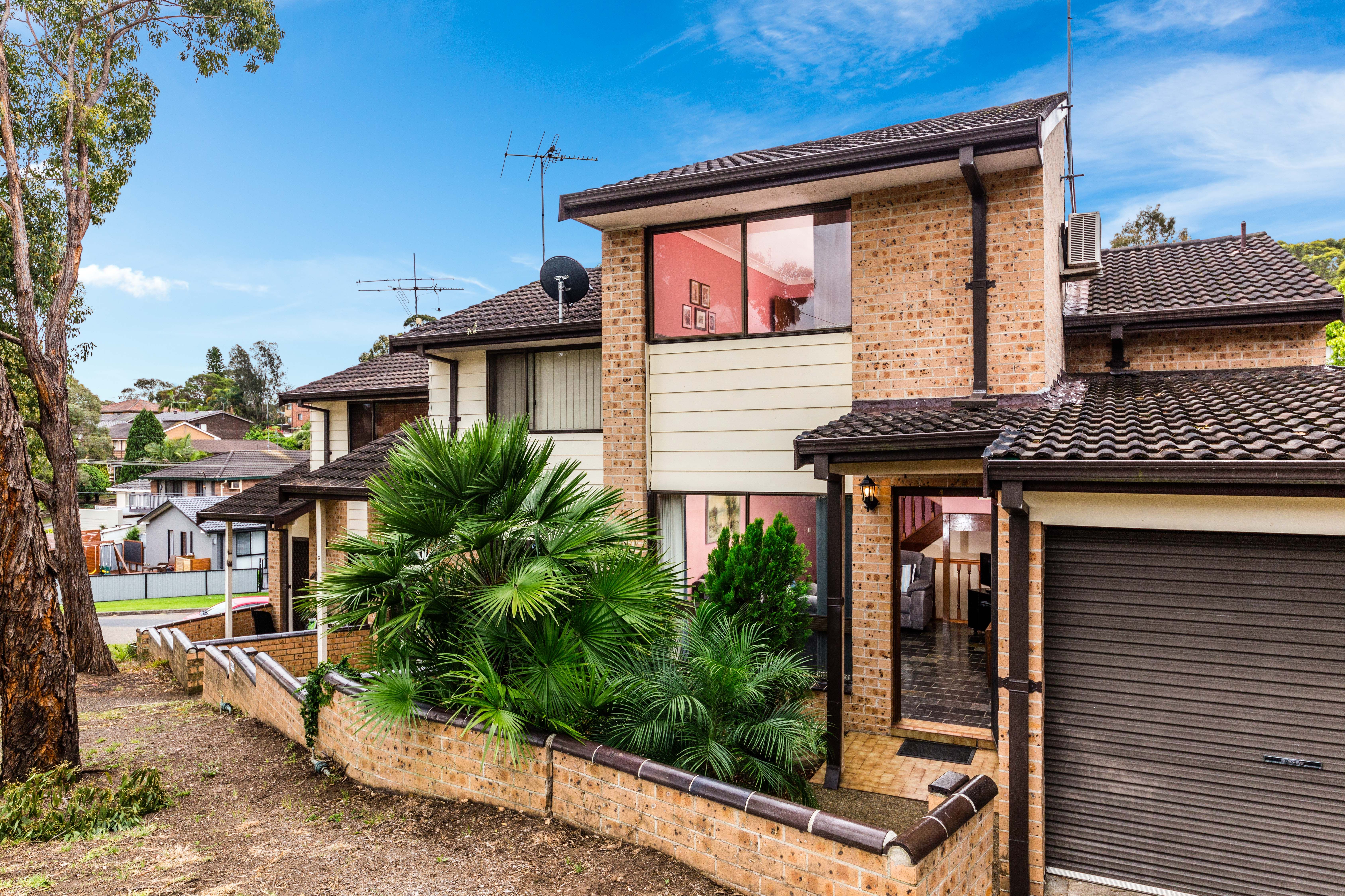 4/40-42 Carnavon Crescent, Georges Hall NSW 2198