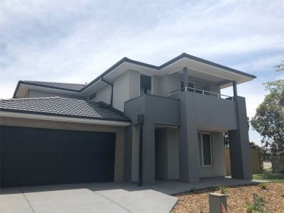 Brand New Five Bedroom House in the Heart of Point Cook!