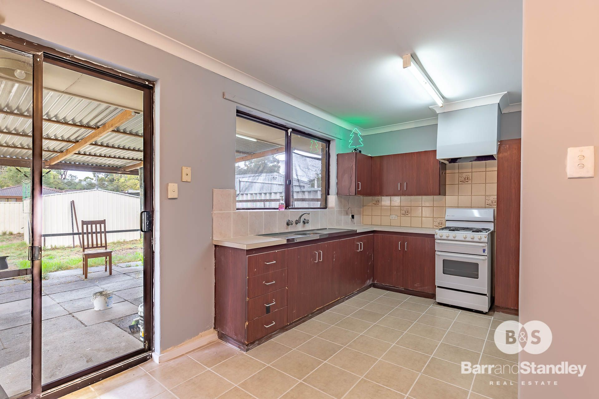 5 Hooper Place, Withers