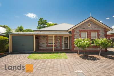 Beautiful Villa Style Home in Sought After Area