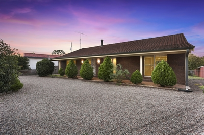 Family Home - Great access to Hume Hwy!!
