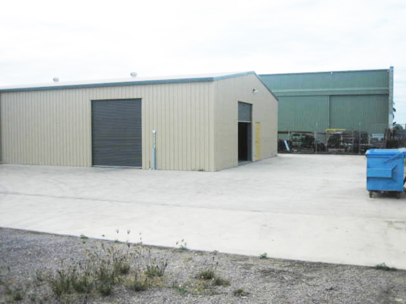 INDUSTRIAL WAREHOUSE WITH OFFICE FACILITY FOR SALE
