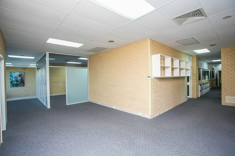 OFFICE SPACE AND CONFERENCE ROOM READY TO OCCUPY