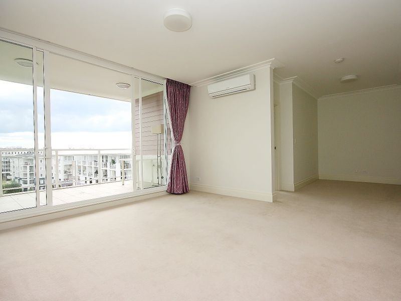 504/4 Rosewater Circuit Breakfast Point 2137
