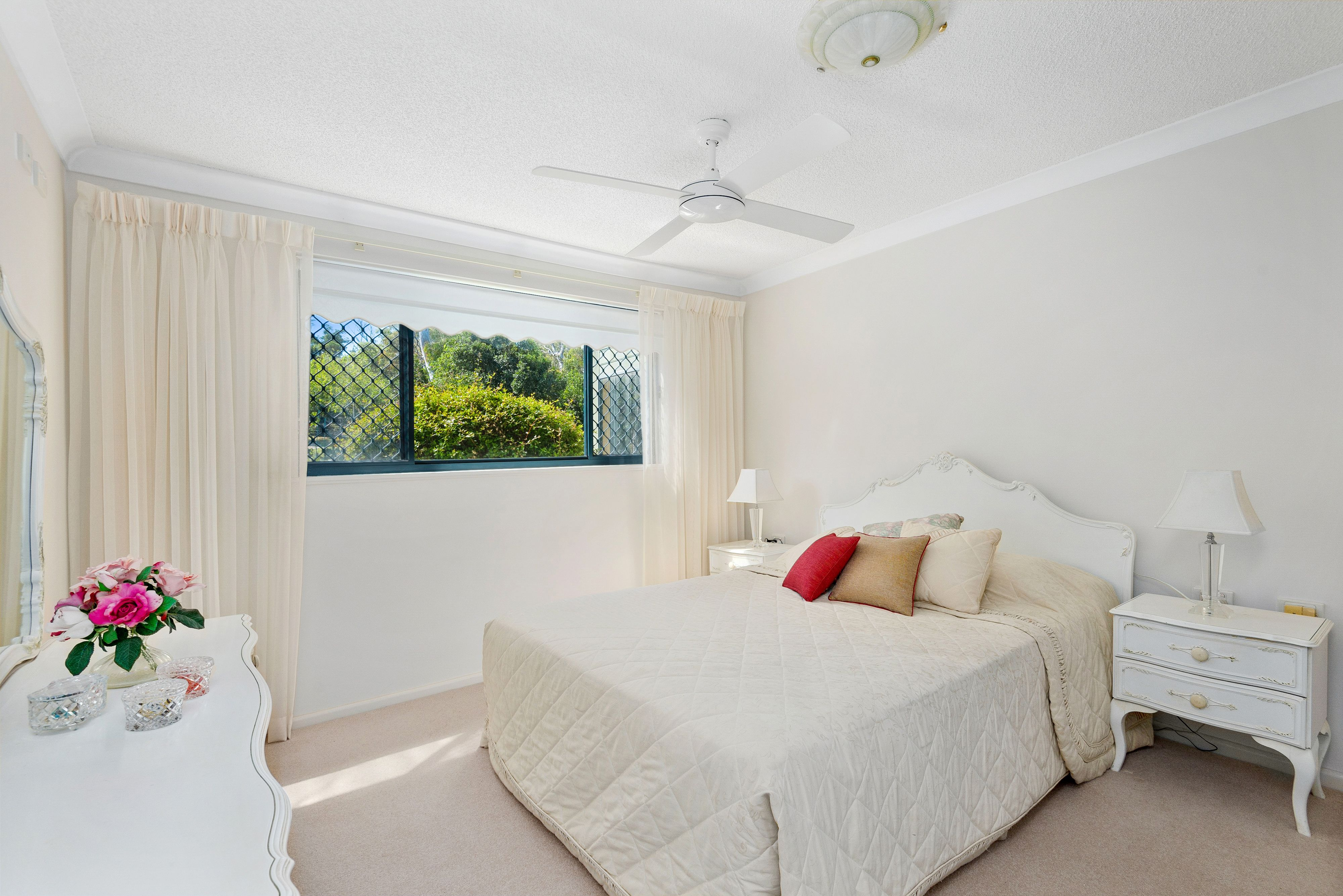 125/10 Minkara Road Bayview 2104