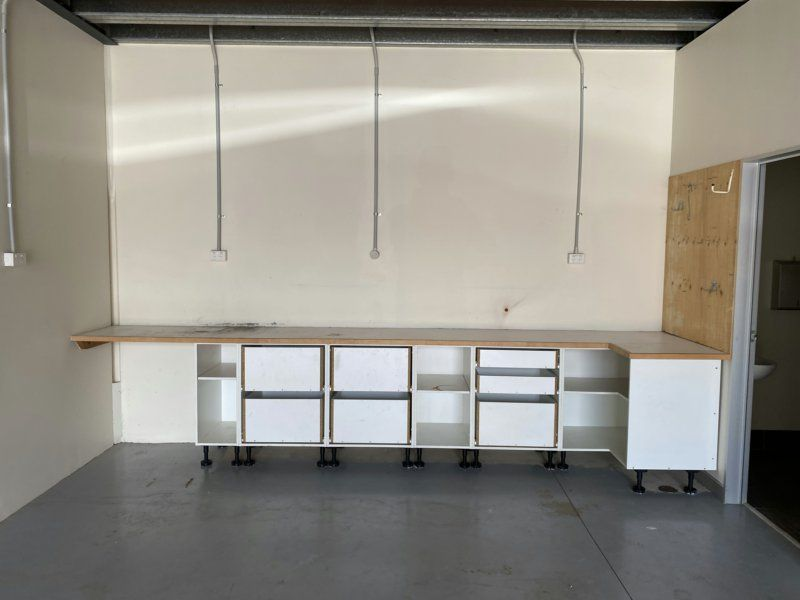 Neat & Tidy Warehouse At Affordable Rates