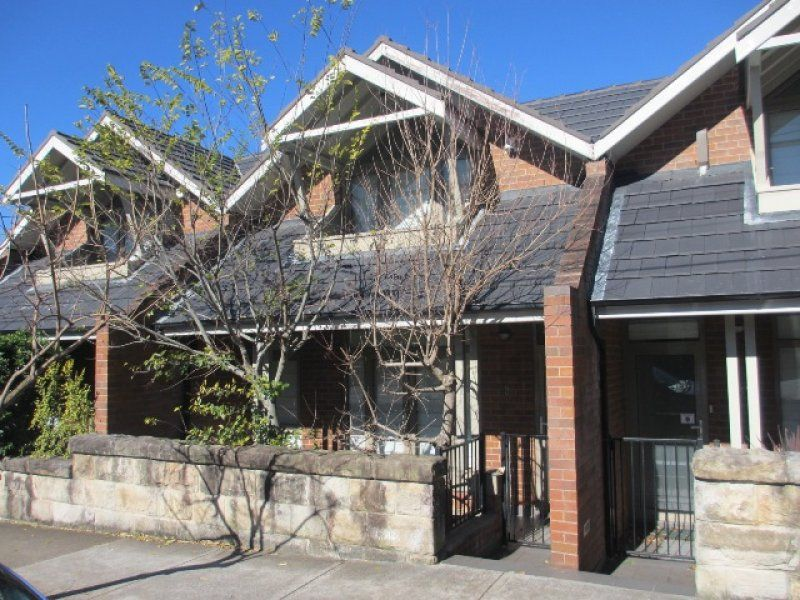 2/61A Albany Road, Stanmore