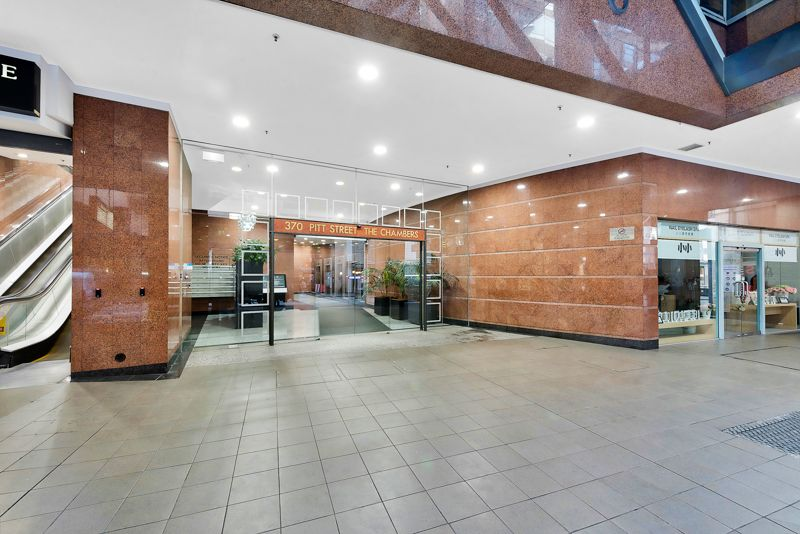 PREMIUM OFFICE FOR LEASE AT 370 PITT ST
