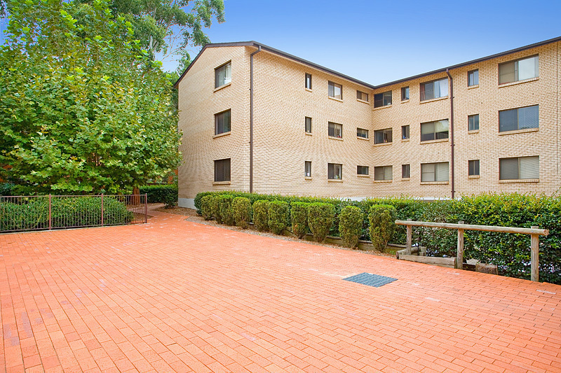 1 15 19 Clarence St Burwood Nsw 2134 Apartment For Lease