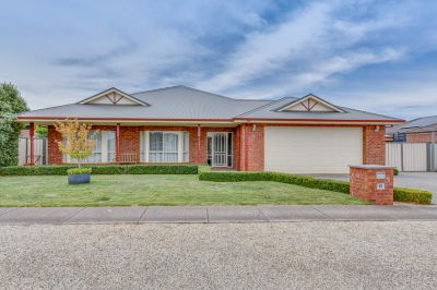 LUXURIOUS PROPERTY IN ONE OF BACCHUS MARSH'S FINEST LOCATIONS