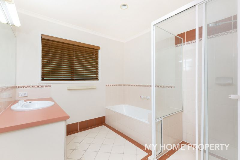 BEAUTIFULLY PRESENTED THREE BEDROOM TOWNHOUSE WITH POOL IN COMPLEX