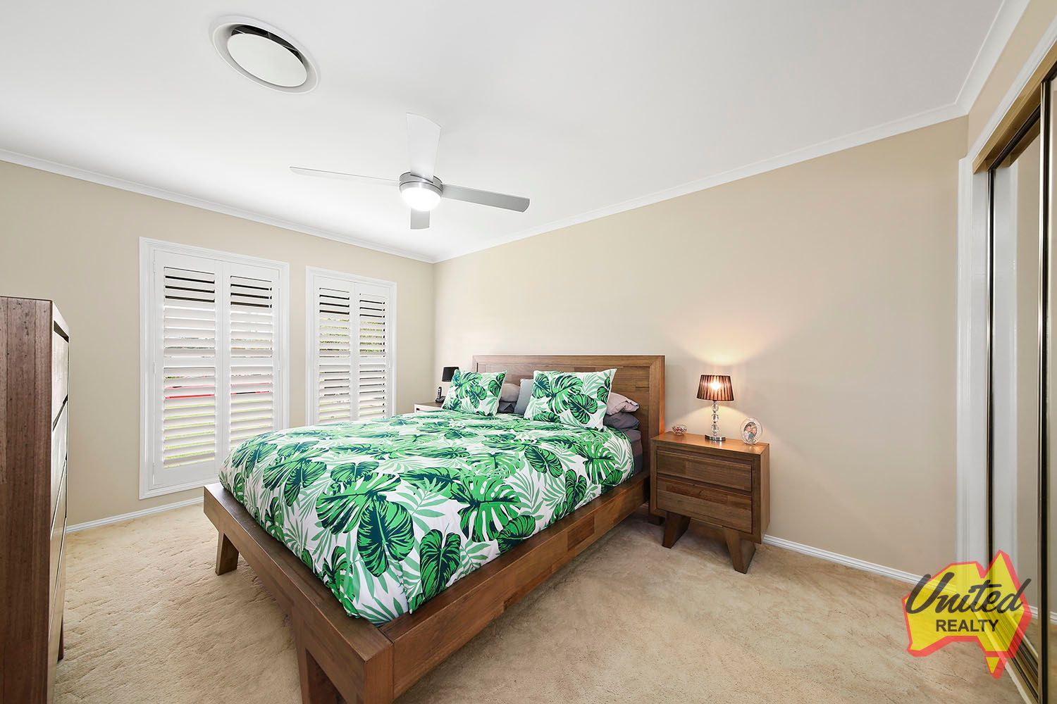 21 Devitt Crescent The Oaks 2570