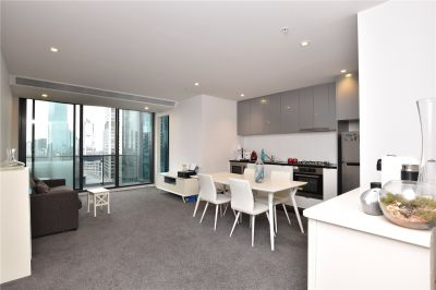 Southbank Grand: 36th Floor - Perfectly Positioned Two Bedroom Apartment with Fantastic Building Facilities!