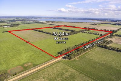 Rural Lifestyle Property      33.84ha 83 acres approx.