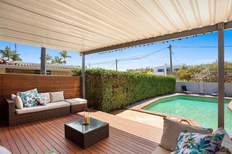 Dual Living with Sparkling Pool
