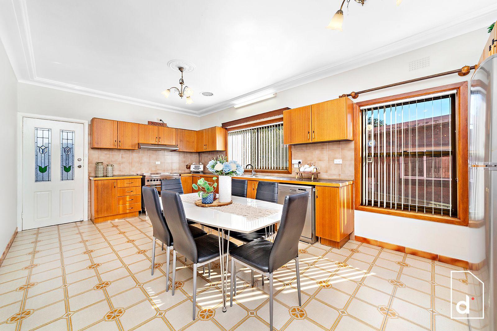 10 Thurston Crescent, Corrimal NSW
