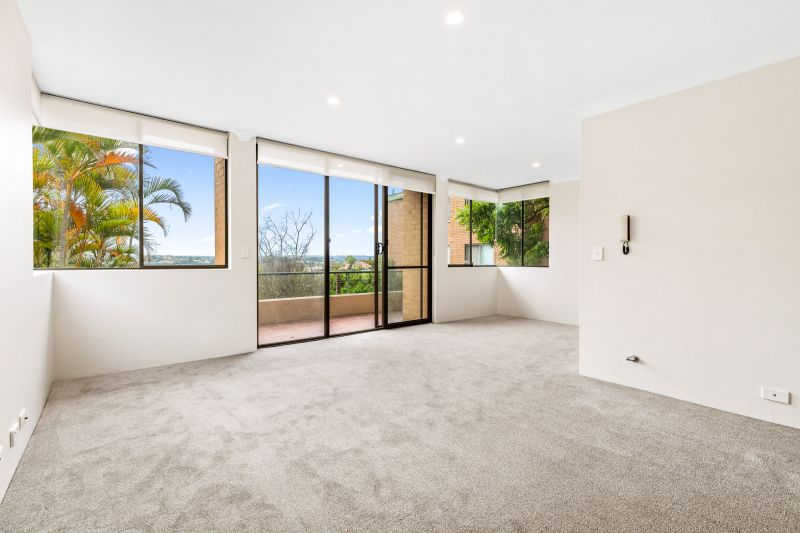 Renovated 3 Bed, 2 Bath Apartment with Lock up Garage in the heart of Cremorne!