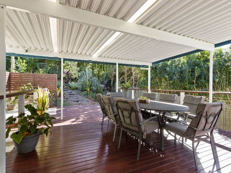 8 Crystal Pacific Court, Mount Coolum