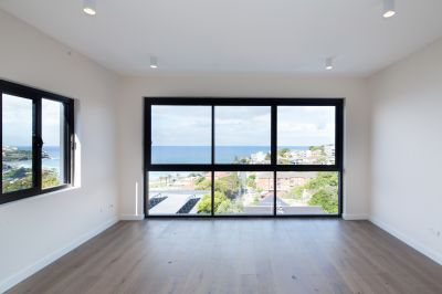 Amazing Two bedroom apartment with stunning ocean views