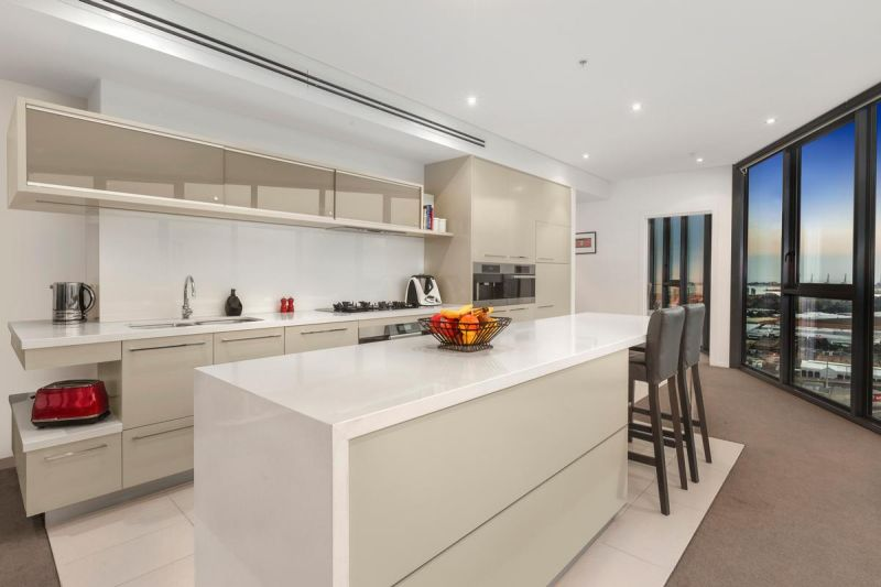 Typifying Luxurious and Uber-Generous Docklands Living