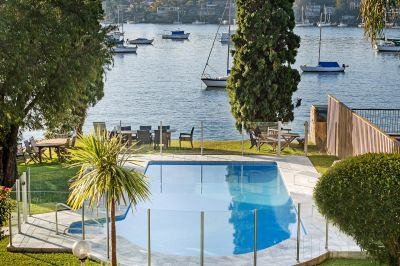 SENSATIONAL WATER VIEWS OVER DRUMMOYNE BAY TO THE HARBOUR BRIDGE & AIR CONDITIONING