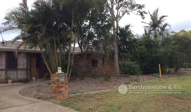 Neat lowset brick home in Kalbar township