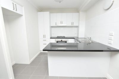 Fabulous 3 Bedroom Apartment In The Heart of The Melbourne CBD!