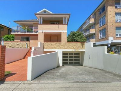 PERFECT UNIT, PERFECT LOCATION. AN OPPORTUNITY NOT TO BE MISSED!