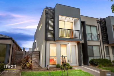 Parkside Perfection Reveals Low-Maintenance Metricon Masterpiece