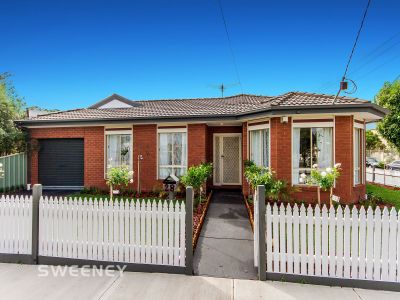 Immaculately Presented! Great Location