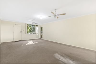 Large 2 Bedroom Unit - Less than 1 minute away from the Beach!