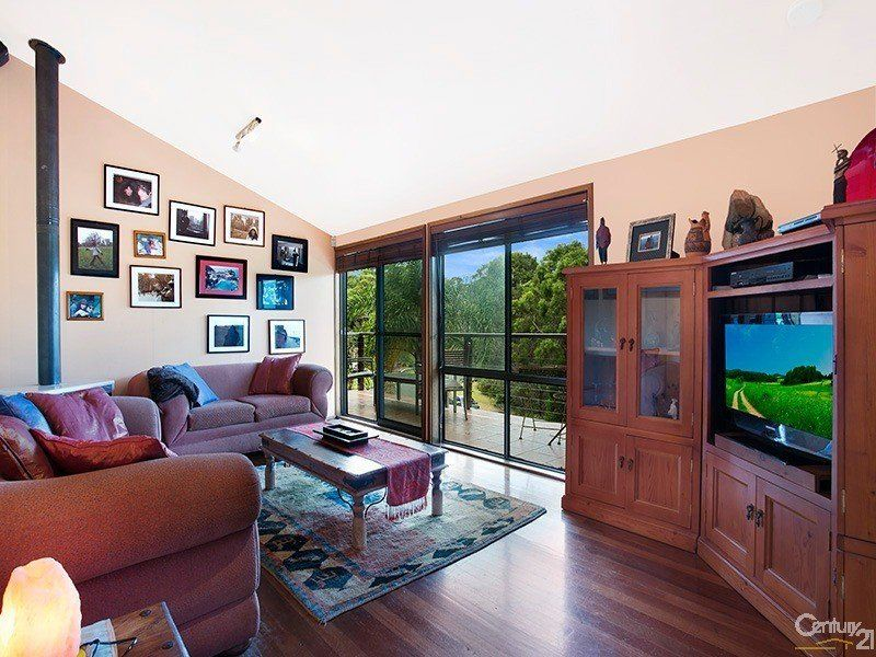 10 Warrangarree Drive, Woronora Heights NSW 2233