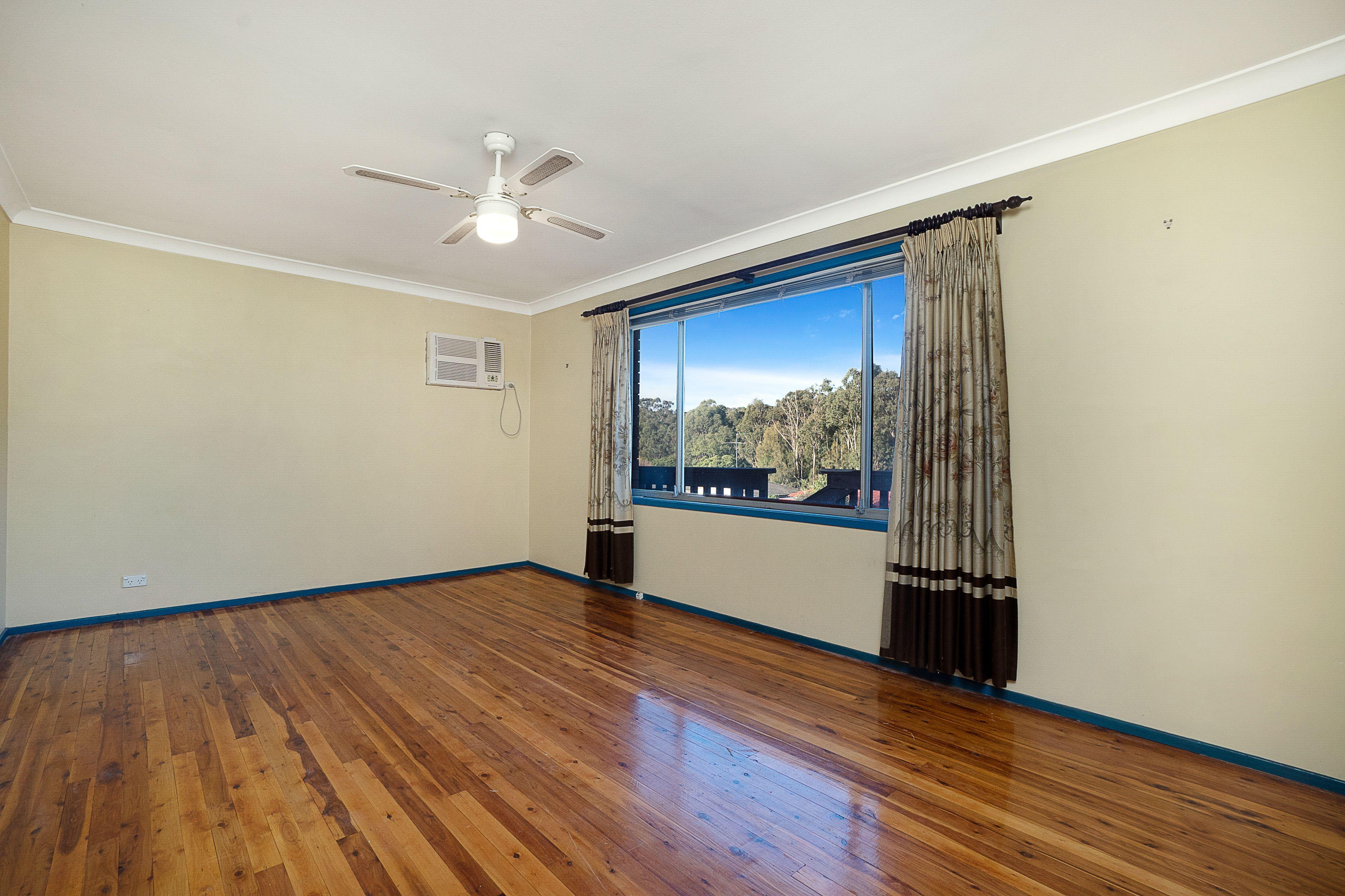 8 Desley Crescent, Prospect NSW 2148