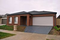 Featherbrook Estate, 17 Mallee Street: A Must To Inspect!