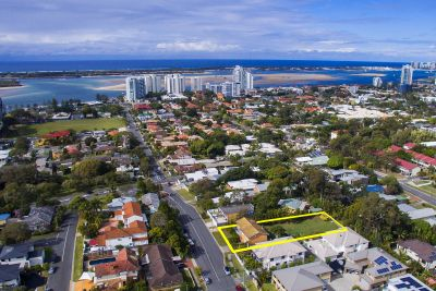 'Mini Acreage' Only Minutes From The Broadwater