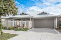 NEAR NEW HOME IN PRIME VIC PARK LOCATION- 100m to Albany Hwy!