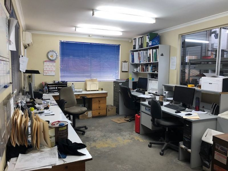 Main Road Office/ Warehouse Space