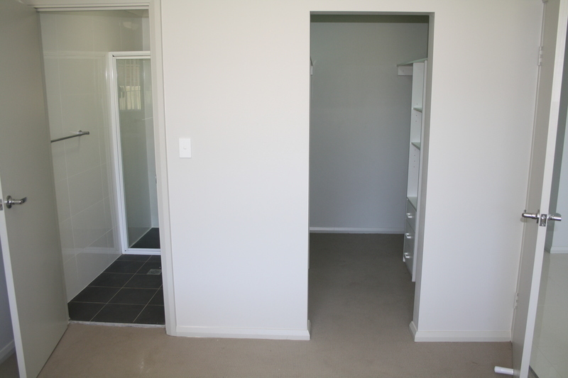 NEAR NEW - 2 BEDROOM UNIT