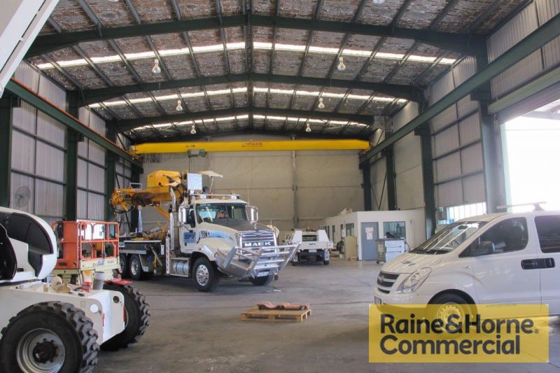 4 Tonne Crane and Container Friendly.
