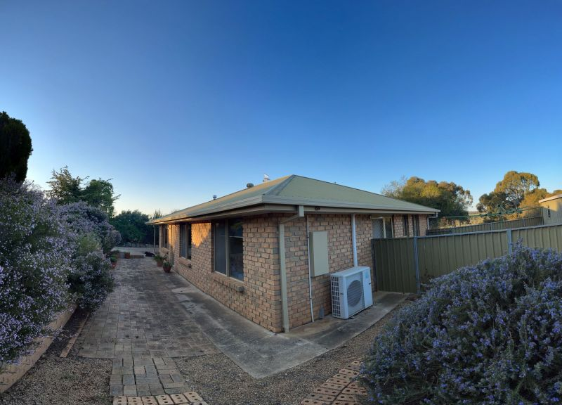 For Sale By Owner: 14 Meshach Burge Terrace, Lyndoch, SA 5351