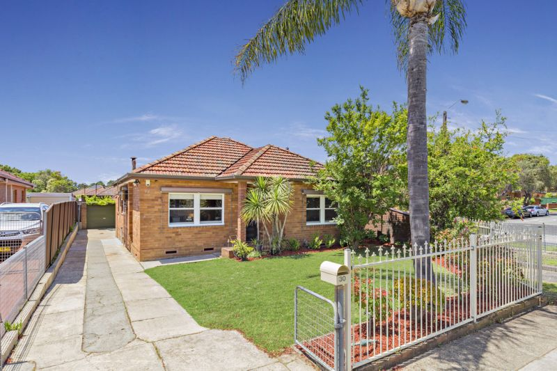 Spacious, Flexible, Impeccably Maintained Family Home.