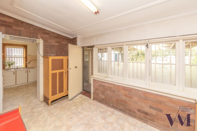 For Sale By Owner: 8 McGrath Ave, Earlwood, NSW 2206