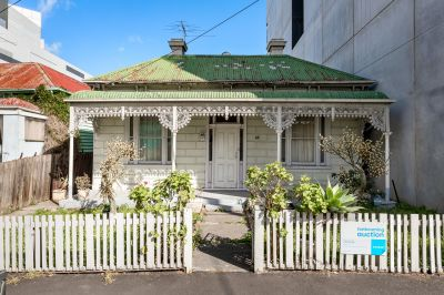 4 bed Victorian home with 2 street frontage