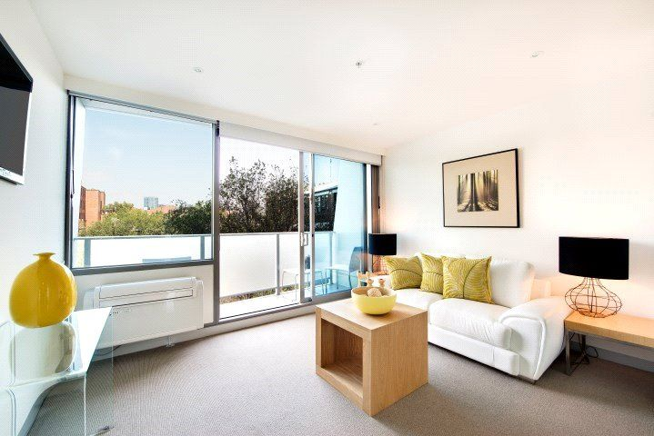 Flagstaff Place - One Bedroom Apartment with Whitegoods Included!