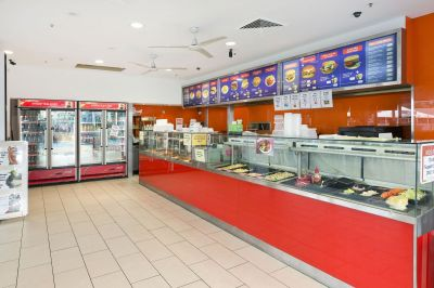 Prime location, busy shopping centre eatery, coastal town!